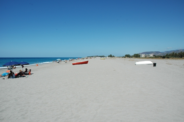 Spiaggia vita verso nord/ Beach view towards north