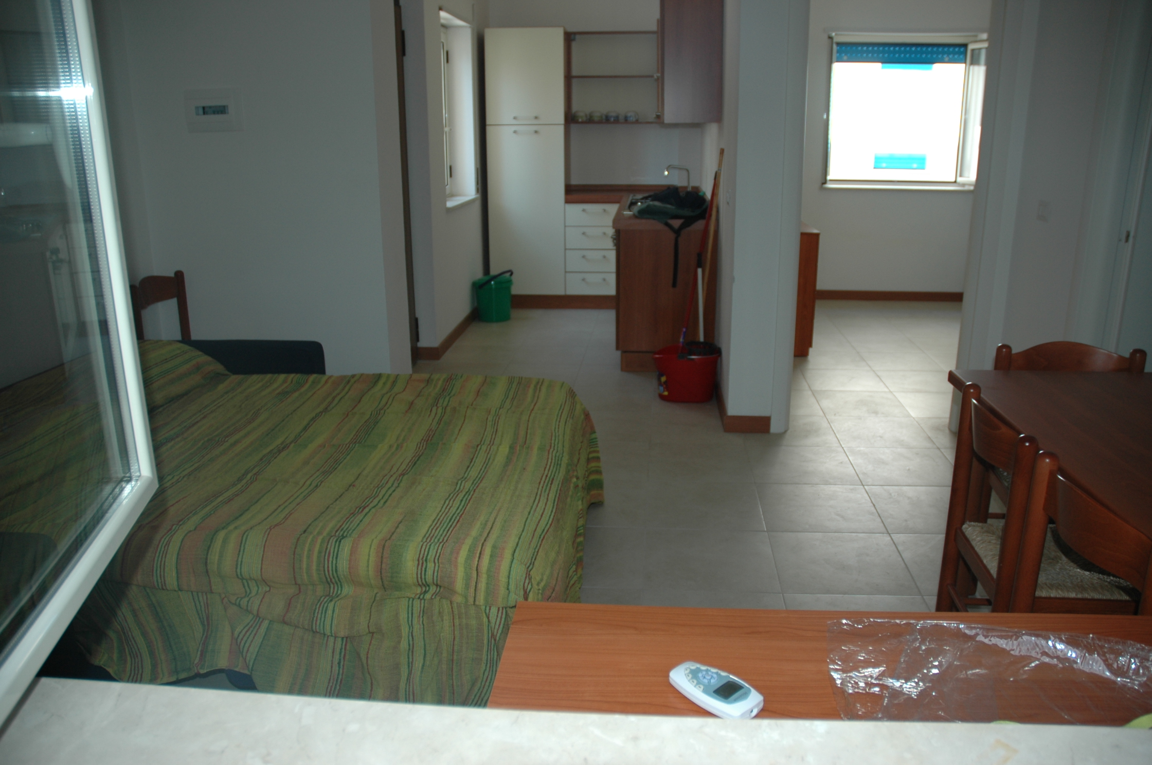 Soggiorno con divano letto matrimoniale / Dining room with sofa bed